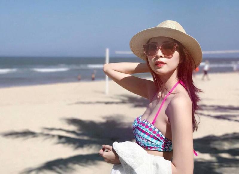 đi biển đà nẵng nên mặc gì