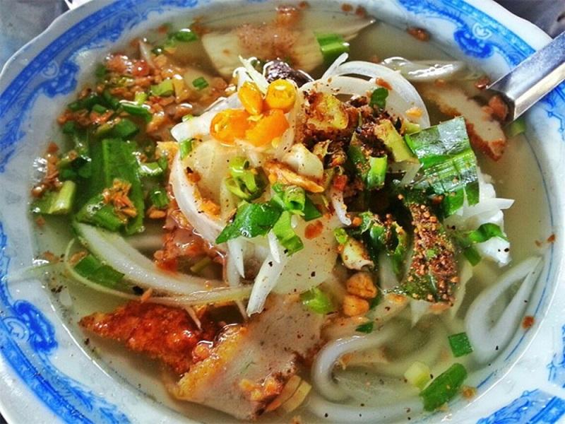 ăn đặc sản Đà Nẵng ở đâu